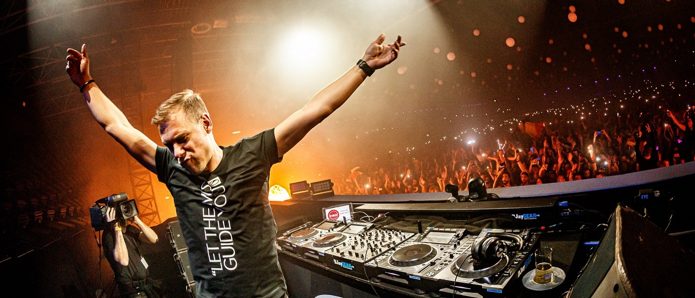 Armin van Buuren kondigt tweedaags A State of Trance festival aan