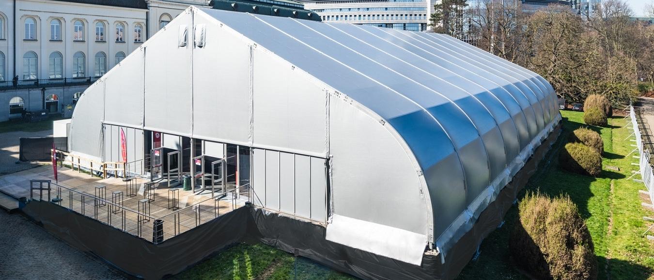Trimex en Veldeman bouwen tent voor Europe Together congres