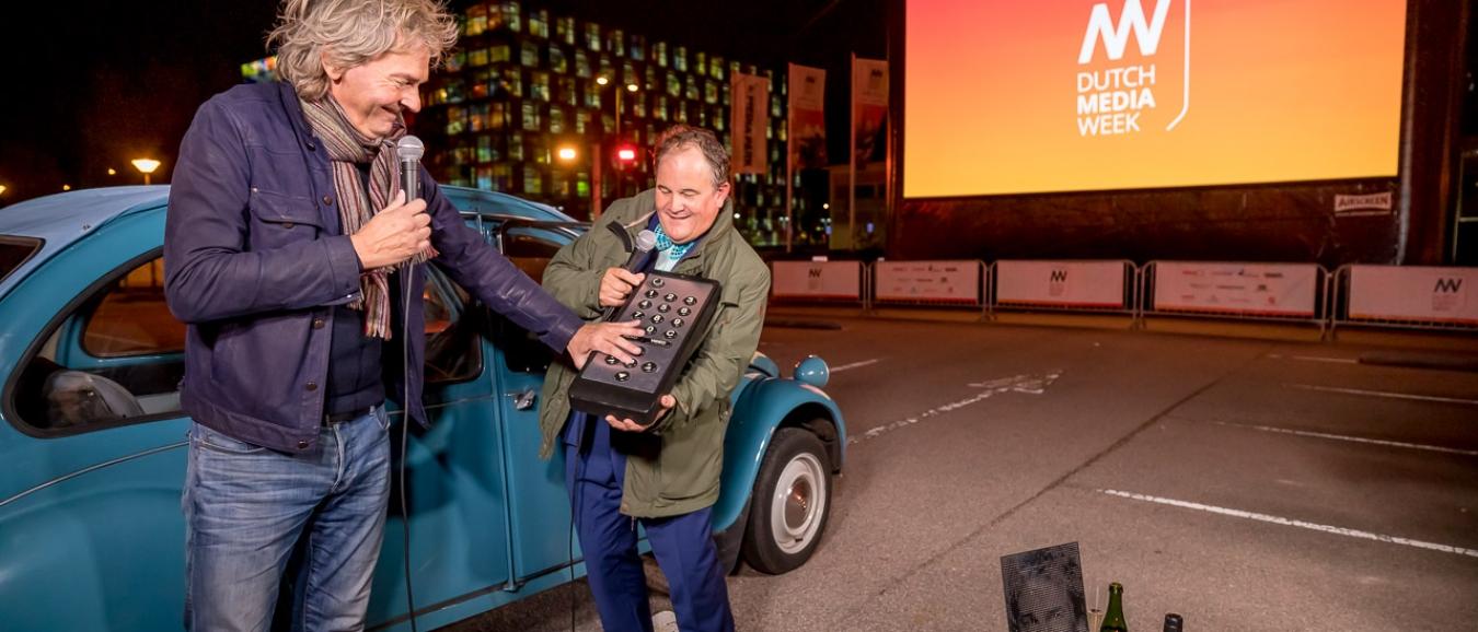 Dutch Media Week drive-in bioscoop geopend door Matthijs van Nieuwkerk