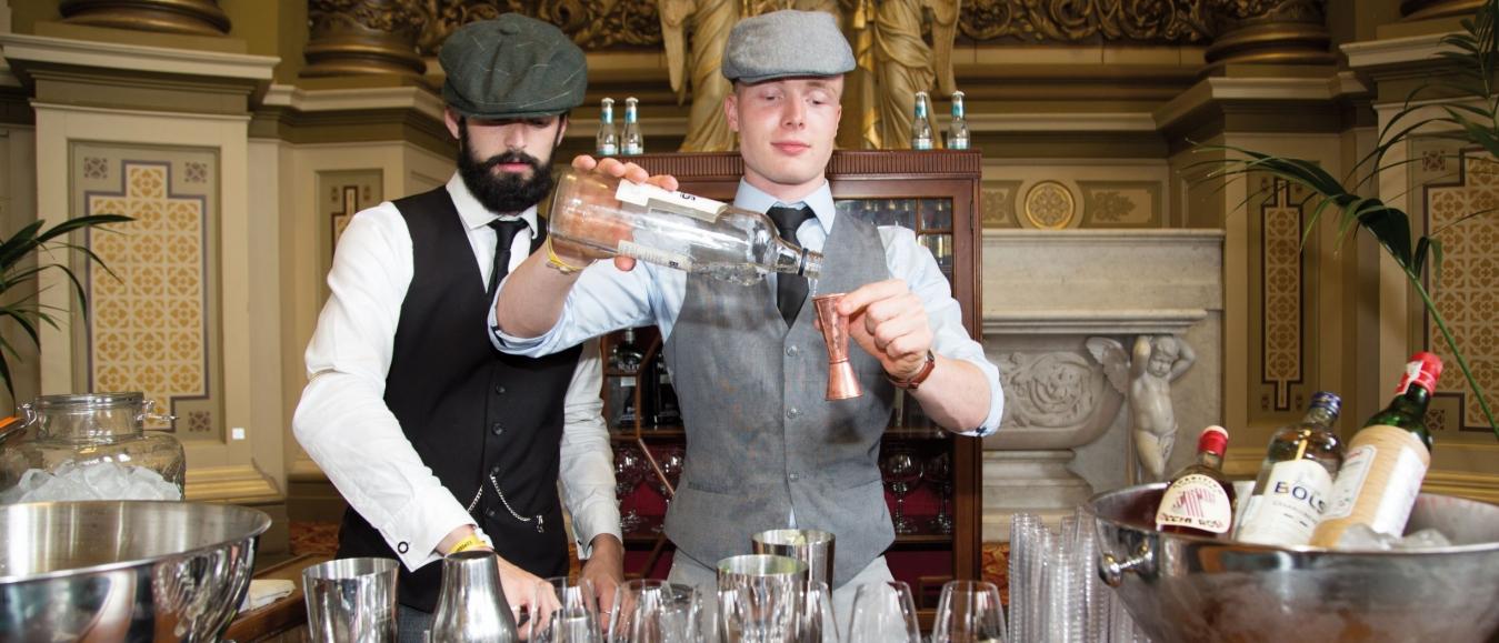 Tess Posthumus lanceert 'Masterclass: Cocktails' op Jeneverfestival