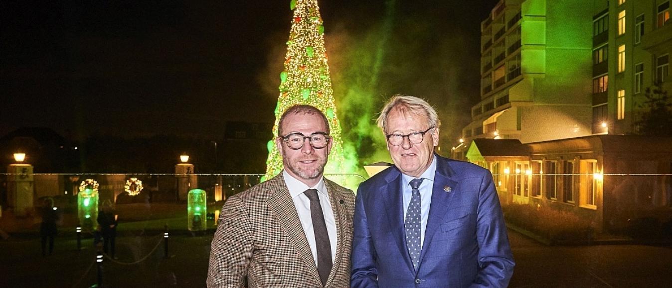 Iconische kerstboom Grand Hotel Huis ter Duin onthuld