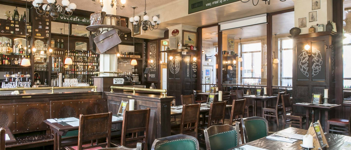 Interieur Belgische Biercafé Olivier Leiden