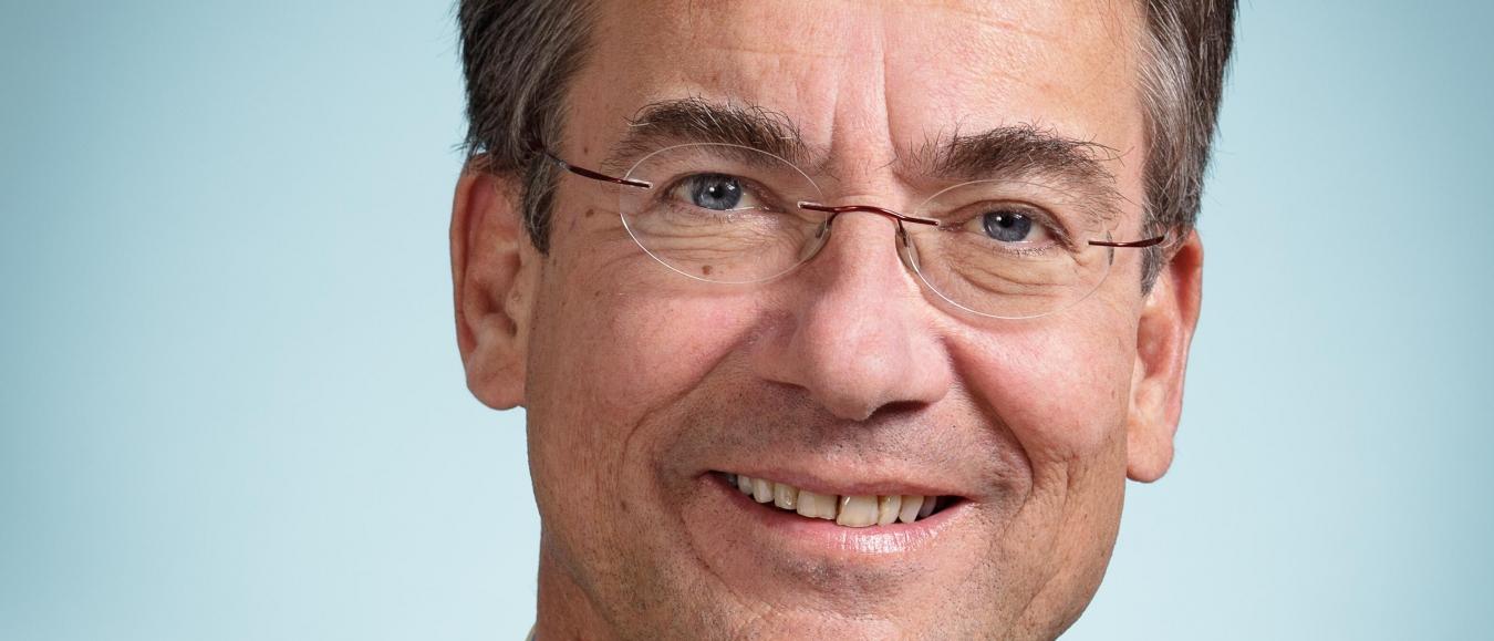 Maxime Verhagen zal Phoenix Award uitreiken