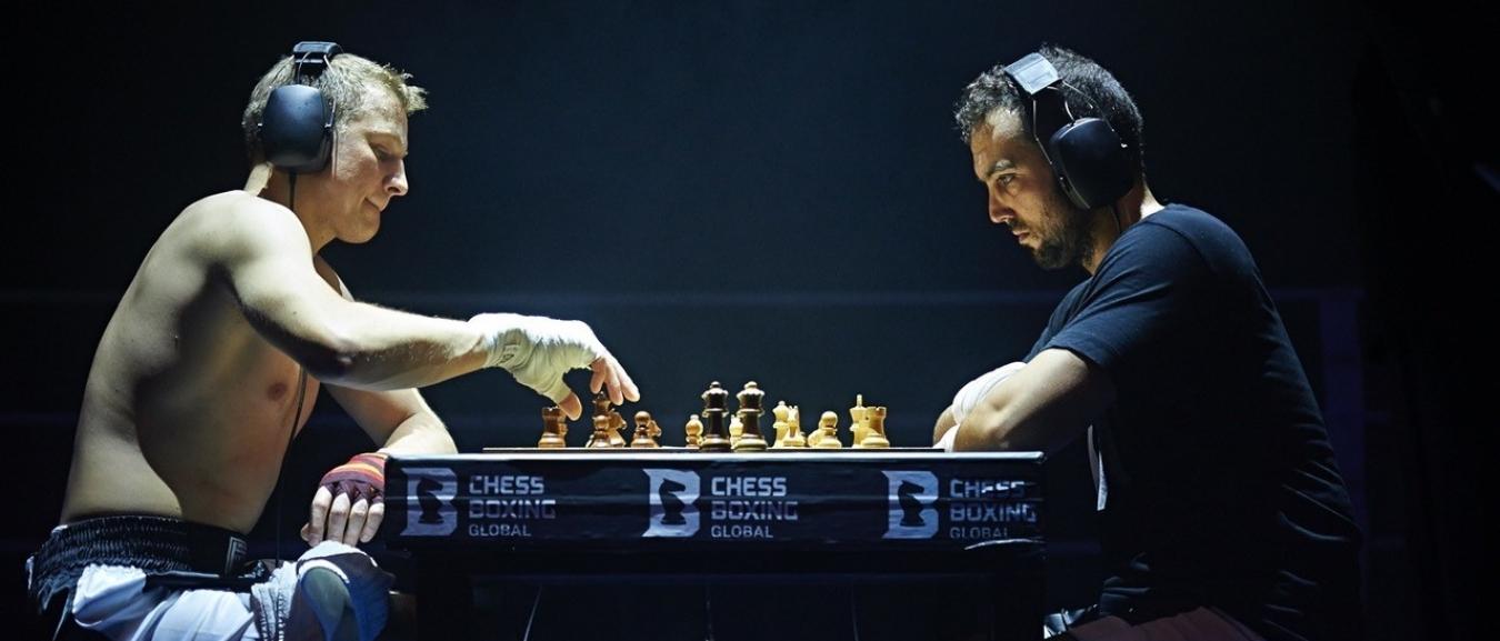 Semifest opent met schaakboksen