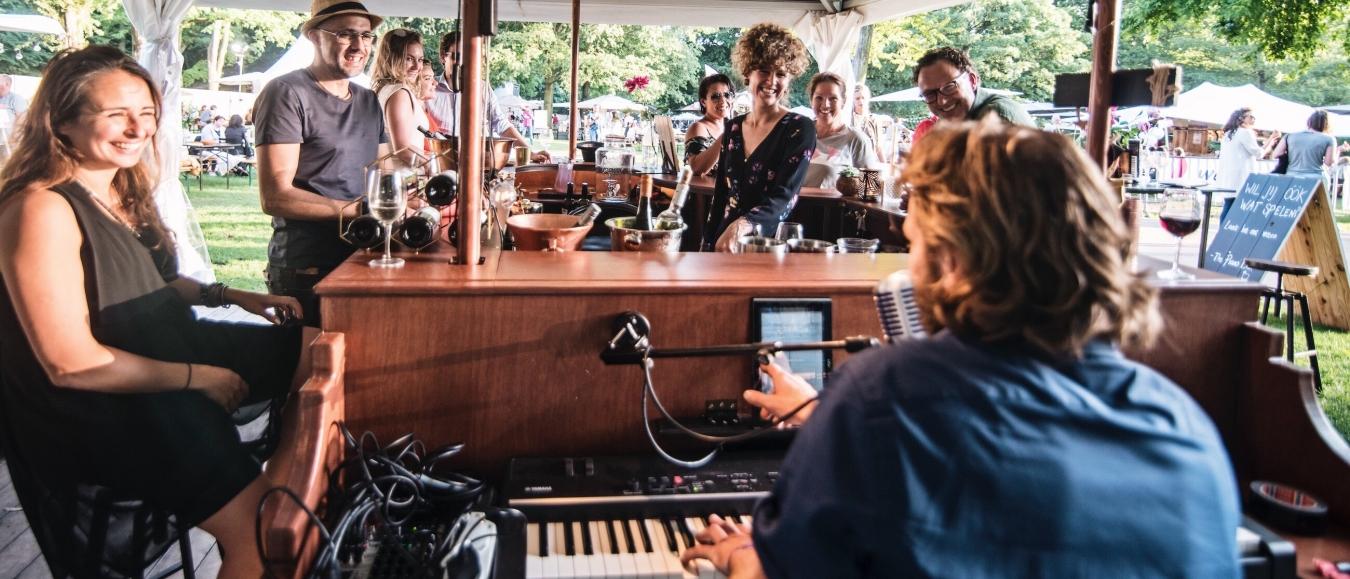 The Piano Bar | mobiele bar en live muziek op locatie