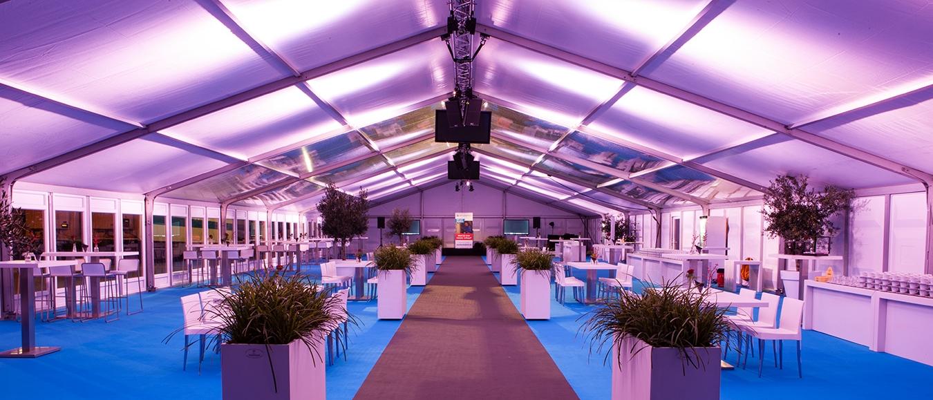 Meerdere evenementen in één feesttent tijdens opening Distributiecentrum HSF Logistics