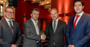 Dan Yerna en Peter Schollmann (Securitas), Rob van de Wiel en Lars Wolfs (MECC Maastricht)