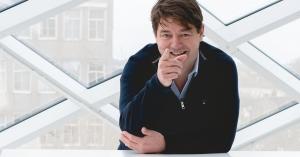 Bouwers voltooien dak Aviodome