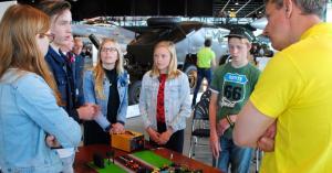 Jongeren presenteren veilige spoorwegovergang Eureka!Cup