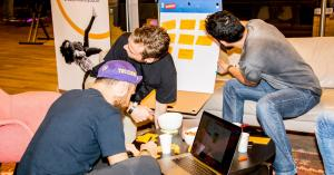 ADE Hackathon buigt zich over toekomst dance scene