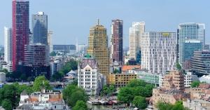 De teamspirit naar een hoger niveau op de eerste wolkenkrabber van Europa