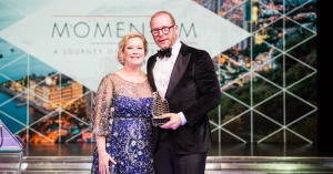 Stephan Stokkermans ontvangt Hotelier of the Year 2019 Award