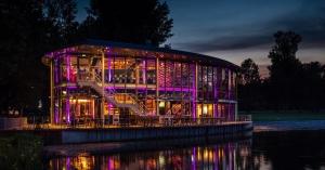 The Boathouse Kralingen, by  night