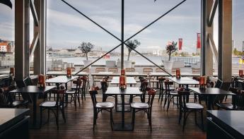 Dudok opent grand café 4'33 in Muziekgebouw aan 't IJ