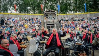 Concert Jostiband voor jarige Cliniclowns in Archeon