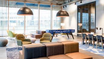Novotel Amsterdam Schiphol Airport en Seats2Meet openen bijzondere werkplek