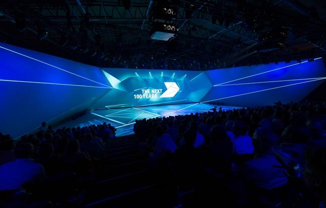 100-Jarig jubileum BMW in Hangaar2
