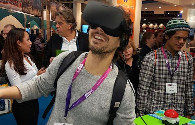 Virtual Reality Oculus Rift op beursstand