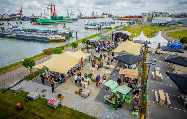 Jullie eigen festivalterrein tijdens het familiefestival van Festivalophetbedrijf.nl