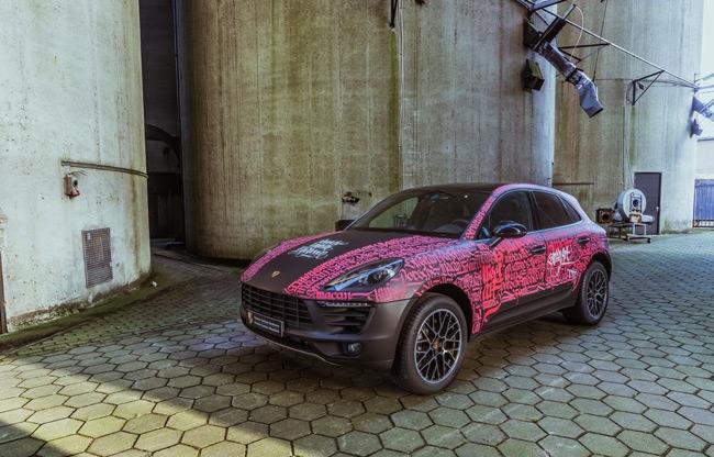 Live-painting Porsche