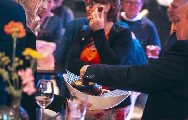 Borrel in Café Foyé na een congres of vergadering