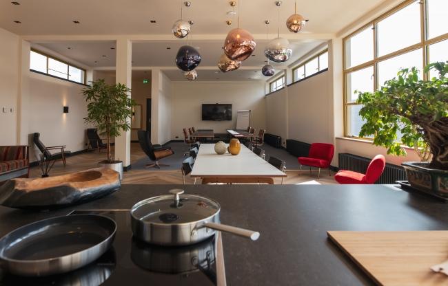 Voor extra beleving kan er gebruikt worden gemaakt van de keuken voor live cooking