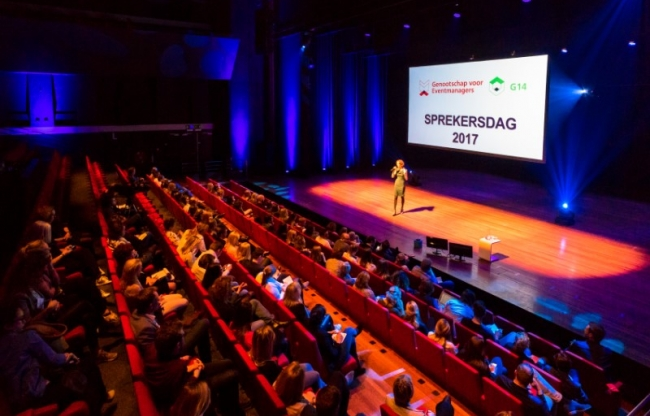 Koninklijke Drukkerij Em. de Jongzaal | plenaire zaal met 665 stoelen