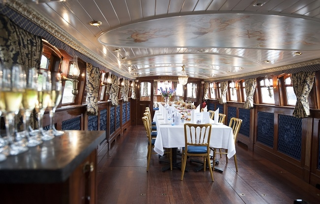 Klassieke salonboot Grachten