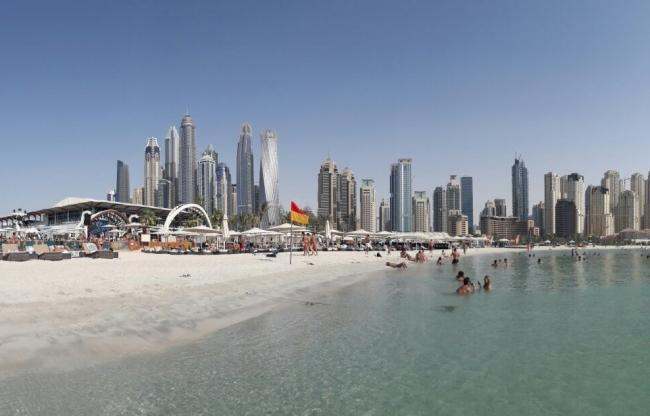 Dubai Beach Zero gravity