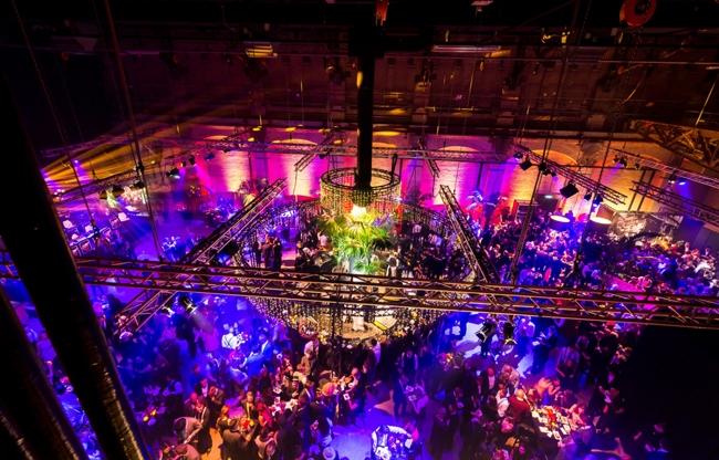 The Rotterdam Drag Show in de Schiecentrale: 'Wereld, wij doen het anders!'