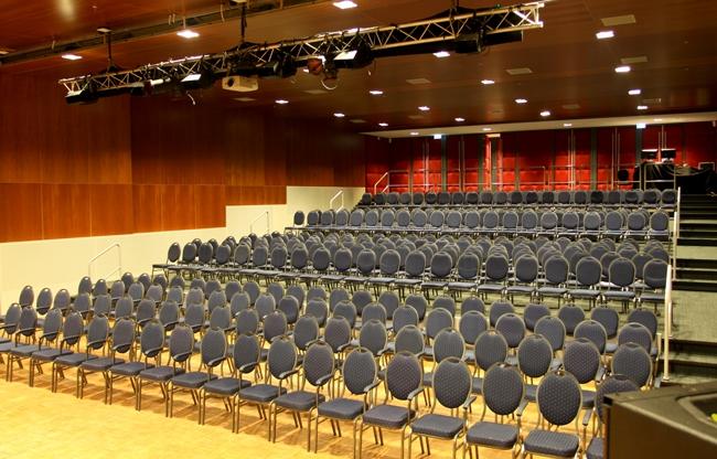 Onze theaterzaal, ook geschikt voor congressen