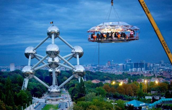 Dinner in the Sky:  een uitdaging om op niveau te dineren
