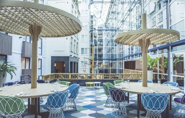 Atriumtuin met directe toegang tot de hotellobby