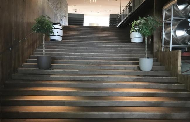 Trap eerste verdieping Lift aanwezig