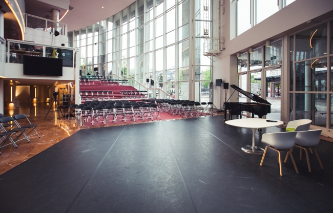 Nationale Opera & Ballet - Presentatie op trappen