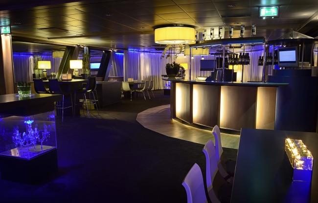 Jules Verne Lounge bar