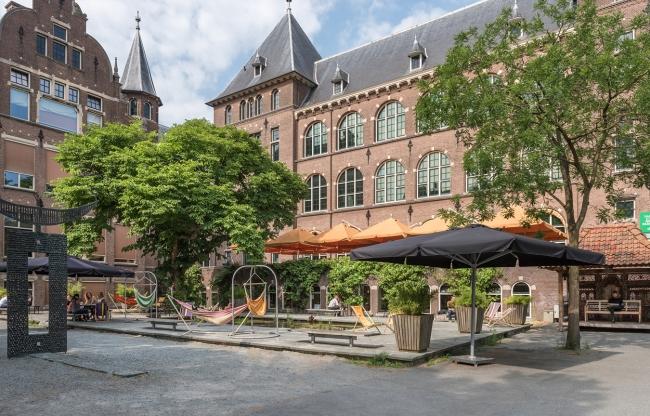 Nieuw en trendy: vergadercuen in museumtuin