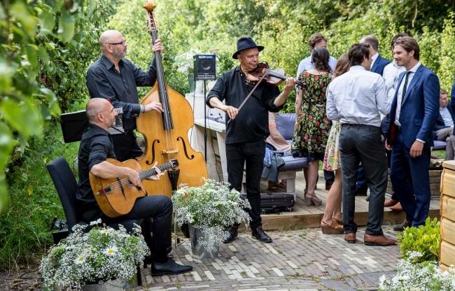 Muziek in de boomgaard