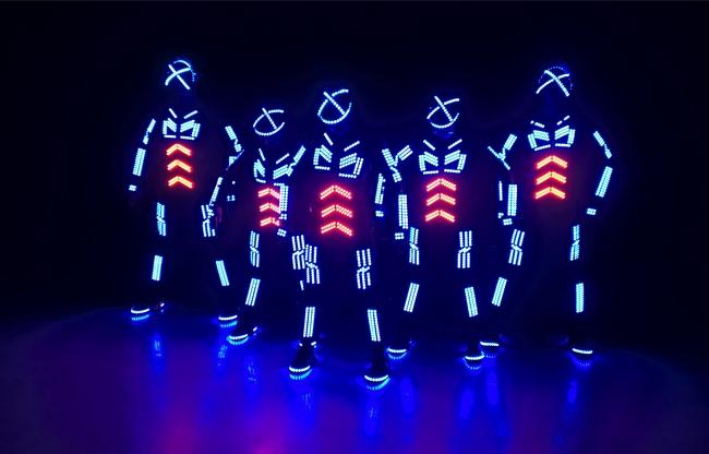 LED dans act