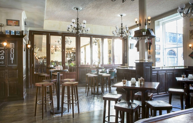 Interieur Belgisch Biercafé Olivier Leiden
