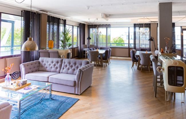 Hét centrale punt van de Hofclub: prachtige ruimte voor lunch, diner & borrel.
