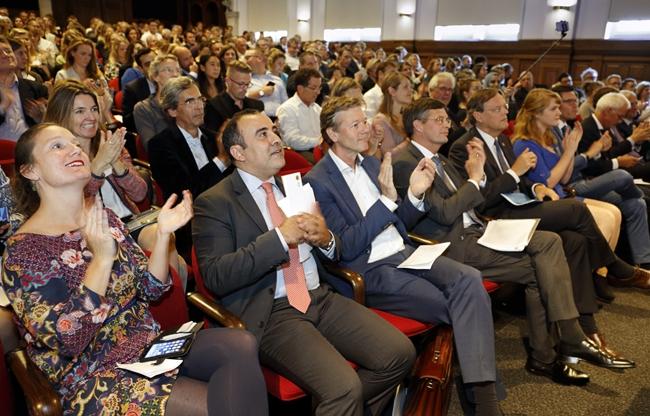 Publiek in het Maxima Theater