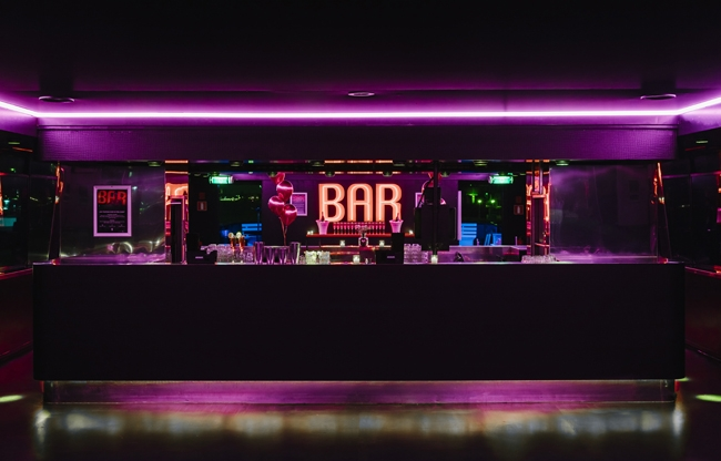 Le Bar Noir Roze