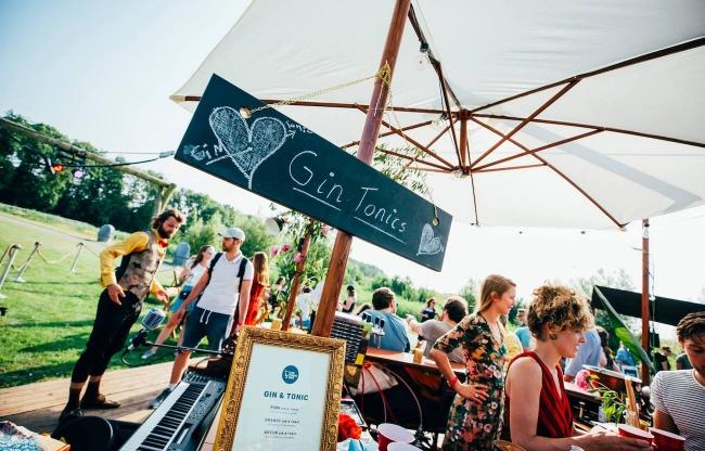 The Piano Bar te boeken voor festivals