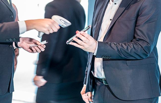 VisitorControl, eenvoudige check-in, ook met mobiele e-tickets.