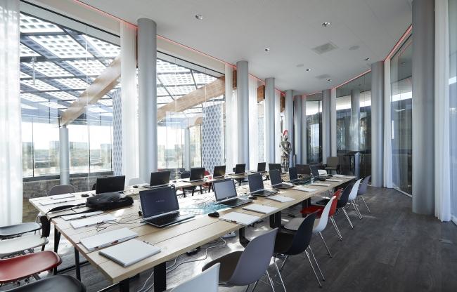 Vergaderlocatie, van alle moderne faciliteiten voorzien