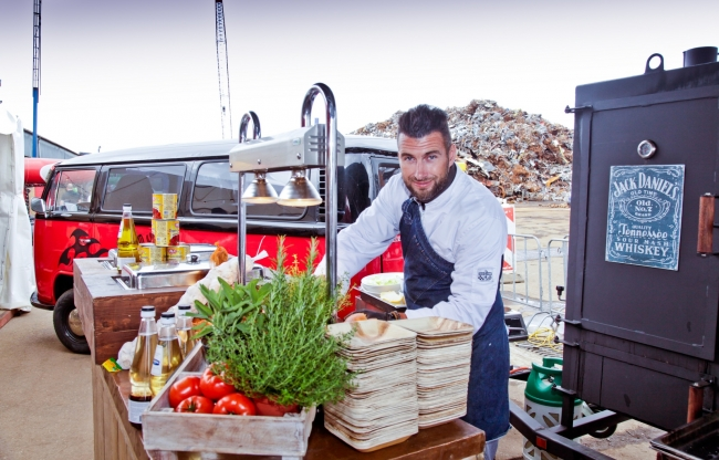 Creatieve festival catering met foodtrucks en funfood, festivalophetbedrijf.nl