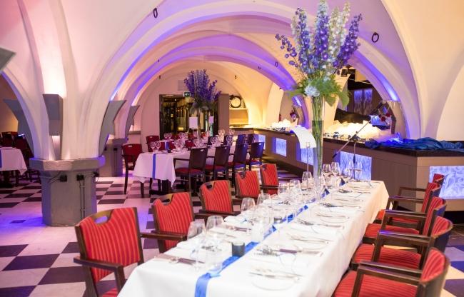 Dineren in 14e eeuwse gewelvenkelder - Golden Tulip Hotel Central Den Bosch