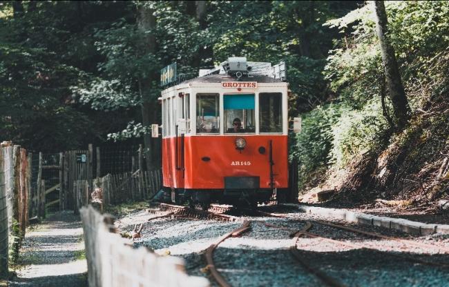 Tram, Grot