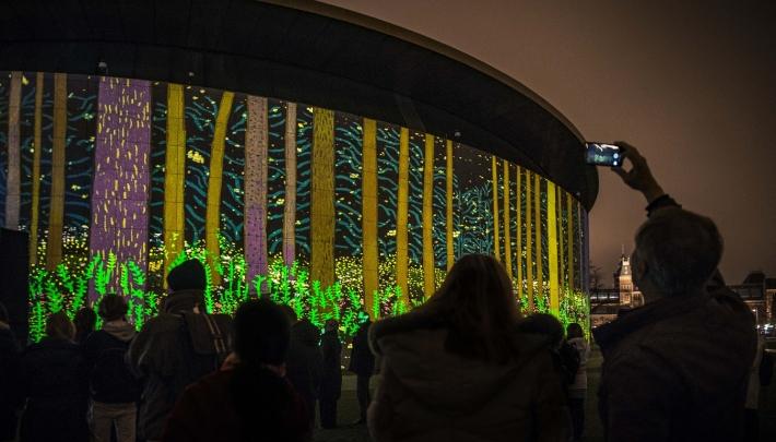 The Arrival of Spring: lichtkunst op het Museumplein